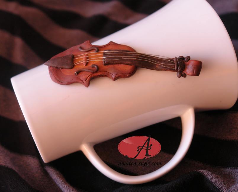 оригинална чаша с цигулка