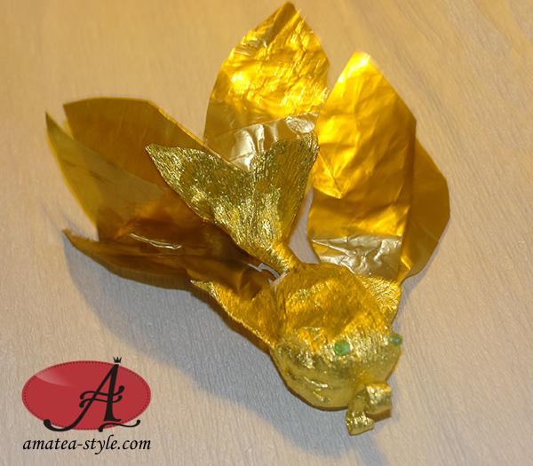 златна рибка от шоколадово яйце